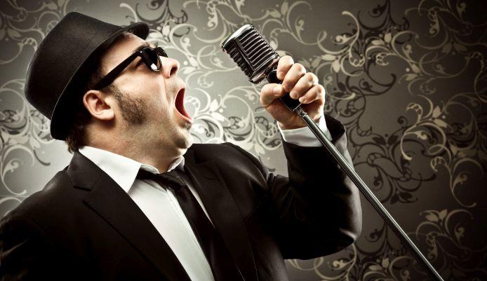 Stimme trainieren: 5 Übungen für eine souveräne Stimme