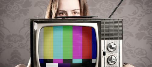 Fernsehmoderator werden: So wirst du TV-Moderator